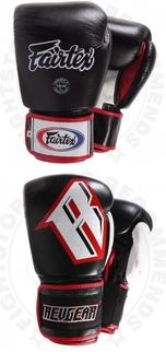 Muay Thai Equipment - Boing Gloves Revgear/Fairtex